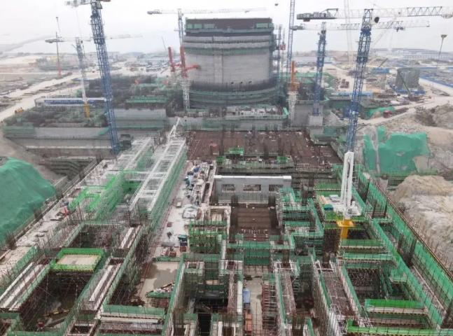 中核二四公司完成华龙一号漳州核电1号常规岛主厂房0米板浇筑