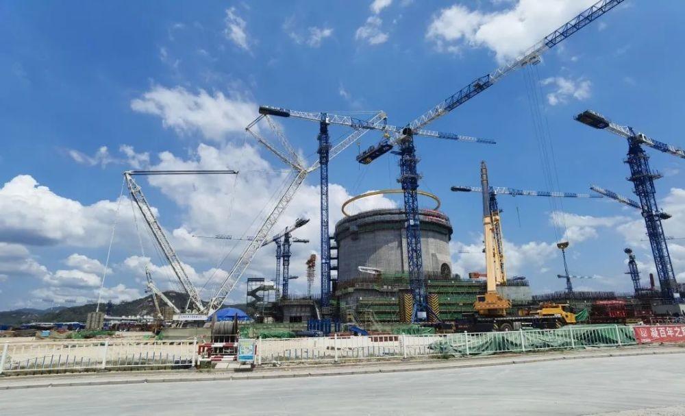 漳州核电1号机组环吊环承梁整体吊装就位